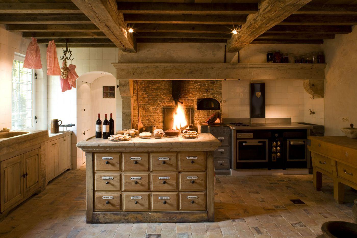 Van Apers, oude bouwmaterialen, antieke haarden, sierschouwen ...